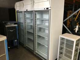 1825 litres 3 Glass Door Gross Volume Chiller/Freezer