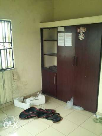 Standard 1 Bedroom Flat To Let At Rumuodara Portharcourt. Port-Harcourt - image 3