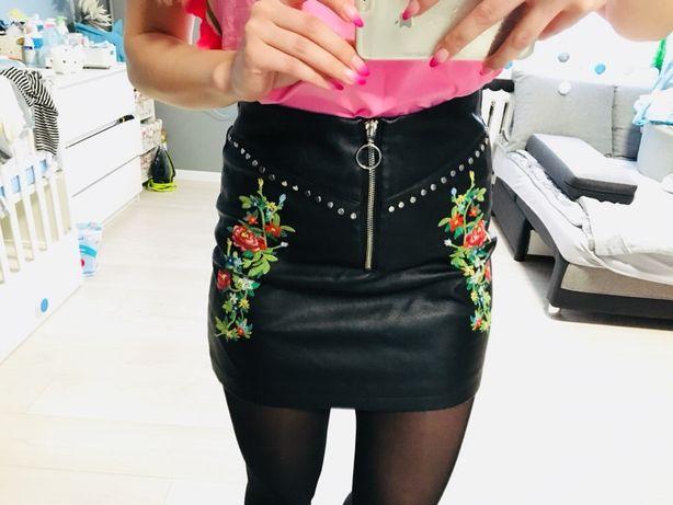 Spódnica skórzana z haftem w Spódnice i spódniczki Moda
