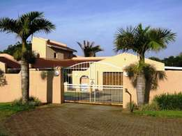 Modern 4 Bedroom House with Immaculate Finishes for sale - Port Edward