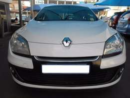 Renault 2015 Megane 1.6 Dynamique 7,949km Hatch Back Manual Gear, Key