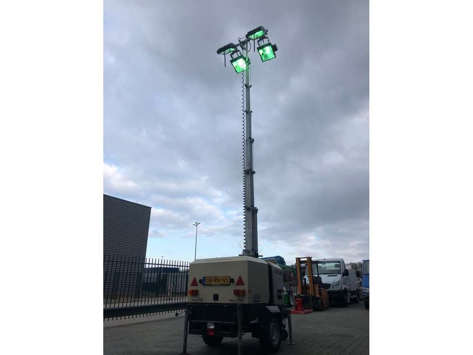 Doosan LSV 9 light tower - 2015 - image 20