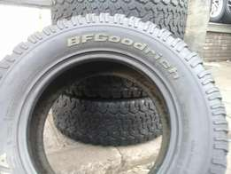 Set of BF Goodrich 4X4 Tyres for sell 265/65/17