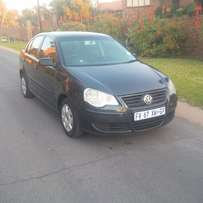 Clean 2005 Model Volkswagen Polo Classic 1.6 Only R51 000Negs
