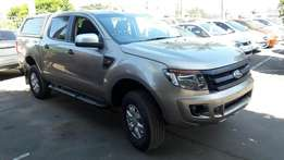 A Shinning 2015 Ford 2.2 Ranger XLS Double Cab with only 61000km, FSH!