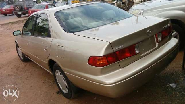 Toyota Camry tokunbo droplite Agege - image 2