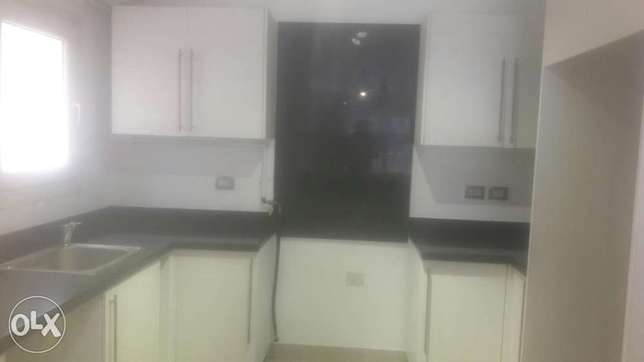 Lovely ultra modern Semi furnished flat 3befrooms 3bathrooms