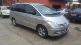 A clean tokunbo toyota previa for sale, 2002 model.