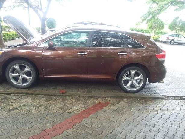 New Toyota Venza 2012 (fairly used in nigeria ) Lagos - image 2