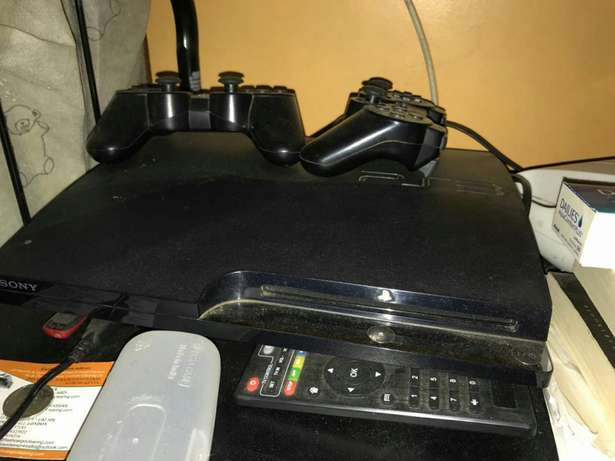 Ps3 with 2 controllers Parklands - image 1