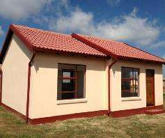 Houses for sale in lenasia Soweto - image 7