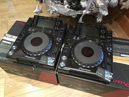nexus-pair-in-boxes-with-manuals-cables cdj2000