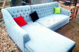 Tuffed chester field 6 seater on quick sale.