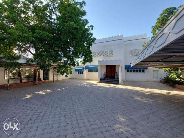 Spacious Commercial Villa in Madinat Qaboos FOR RENT