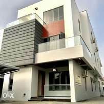 Luxury and Exquisitely Finished 5Bedroom Duplex For Sale in Lekki ph 1