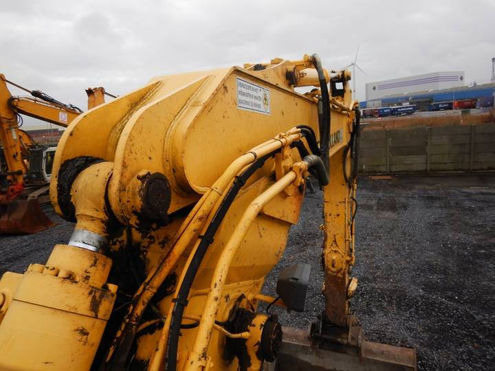 New Holland E135BSR-2 - 2009 - image 27