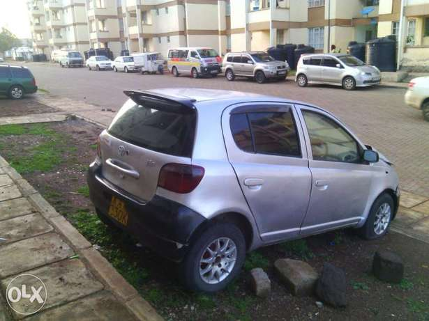 Toyota Vitz kax auto 1000cc small accident asking 170k Parklands - image 6