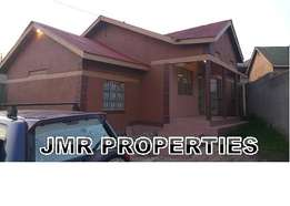 Luxurious 4 bedroom bungalow for sale in Namugongo town at 130m