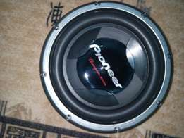Pioneer woofer 1400 Watts