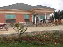 Nice 3 bedroom mansion for rent in Mukono-Kigunga at 600k