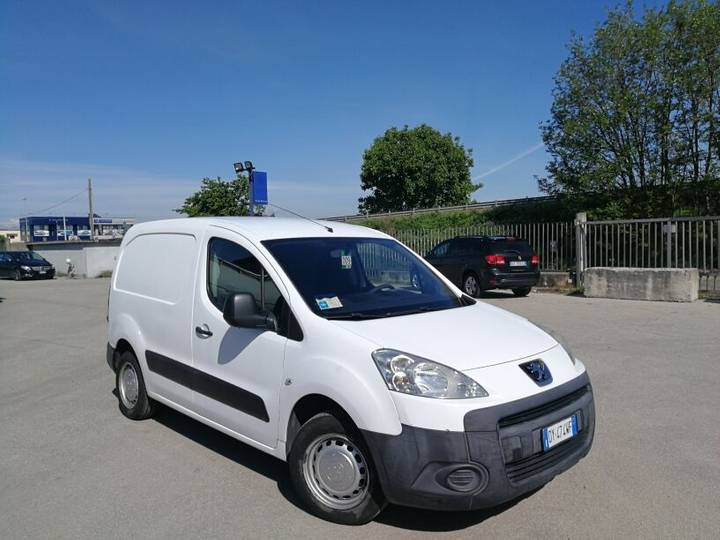 Peugeot PARTNER 1.6 HDI  FURGONE, CLIMA, FULL OPTIONAL - 2009