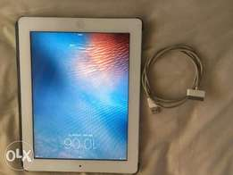 iPad 2 Wi-fi 32GB White with Cover