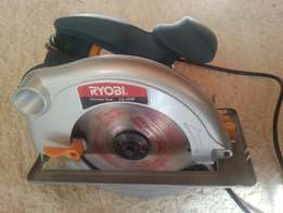 Ryobi circular saw CS-185P + extra NEW blade. Machine used once.