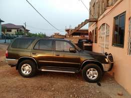 selling Toyota 4 runner home used