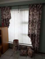 6 Curtains, 4 cushions and a lamp