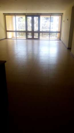 3 Apartment Bedroomed All in suite Dsq Kilimani - image 5