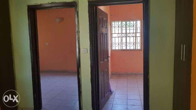 sweet 2 bedroom Bungalow in spacious compound (Negotiable) Gwarinpa Estate - image 4
