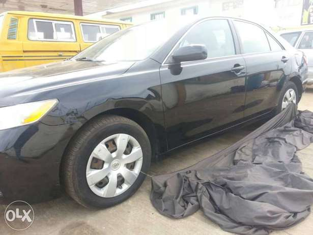 Clean toks 09 camry Ojo - image 5