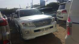 Very clean Toyota V8 2014 model
