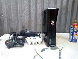 Chipped Xbox 360 7 games loaded