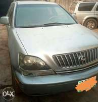 Neatly used 2003 Lexus 300