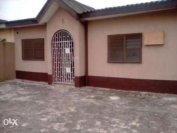 A lovely 3bedrm flat in a very Reserved Estate N22mill negotiable Ifako Agege - image 1