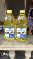 2.5 litres of vegetable oil for sale.