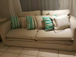 Big beautiful couch for sale L 2200 D 1100 H 750 CASH ONLY NO EFTS