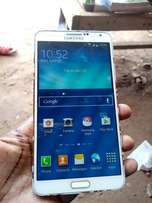 Used Galaxy Note 3..32gb with cracks on screen