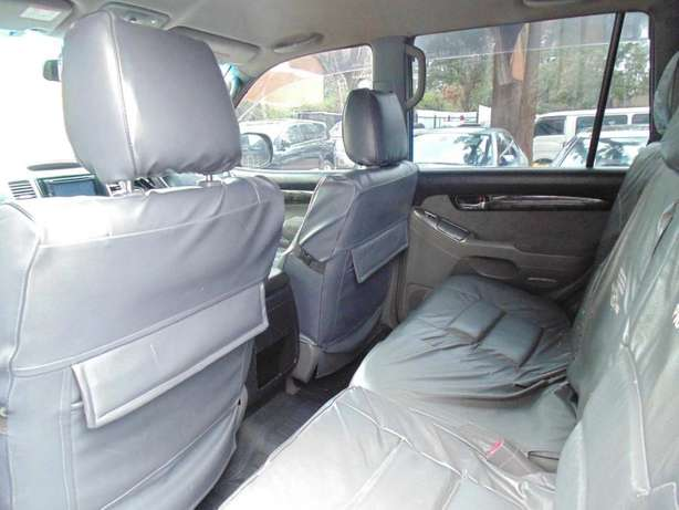 A very clean toyota landcruiser prado 7 seater on sale Hurlingham - image 3