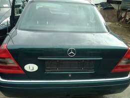 newly arrived 2000,mercedes benz class c220,auto driv,lagos cleared