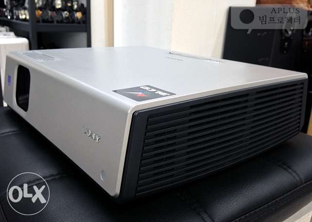 UK Used Sony VPL Cx63 Projector for Laptop Ibadan North West - image 1