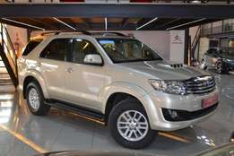 Toyota Fortuner 3.0 D4-D Raised Body 4X2 Auto Face lift 7 Seater