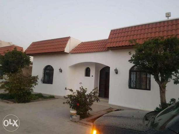 Hamla– Great 3 bedroom semi furnished villa with Close to BSB