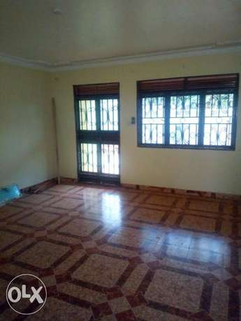 Executive two bedroom house is available for rent in namugongo mbalwa Kampala - image 2