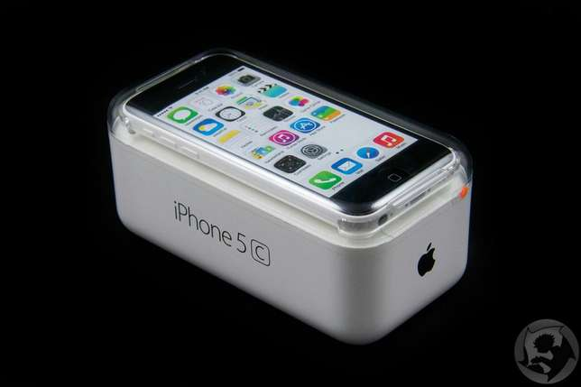 Apple iPhone 5c fresh and sealed in box Accra Metropolitan - image 1