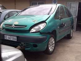 2004 citroen 18i stripping for parts
