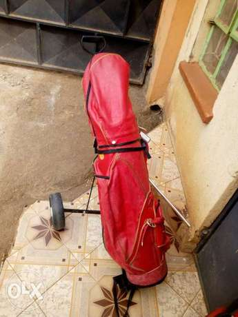 Selling Golf Kit including golf clubs, and golf pouch. Township - image 4