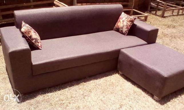 Tim Tim Box sofa/sofas/sofa Sets With Center Pouf Ugsh. 400,000/-only Kampala - image 3