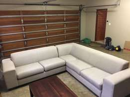 Immaculate leather sofa for sell in good condition